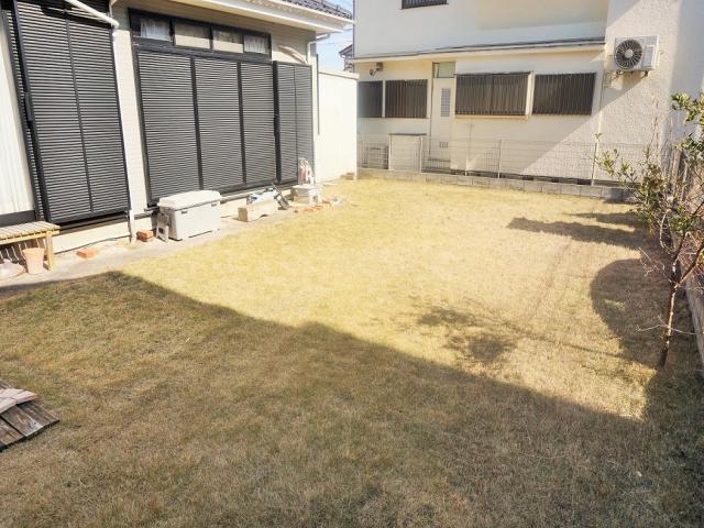 お庭(南面)2